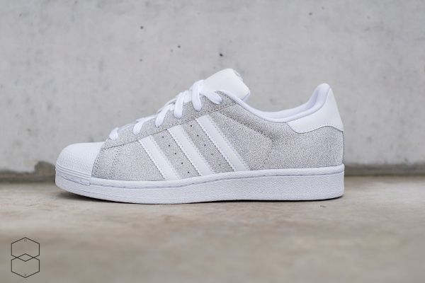 superstar femme adidas grise blanc